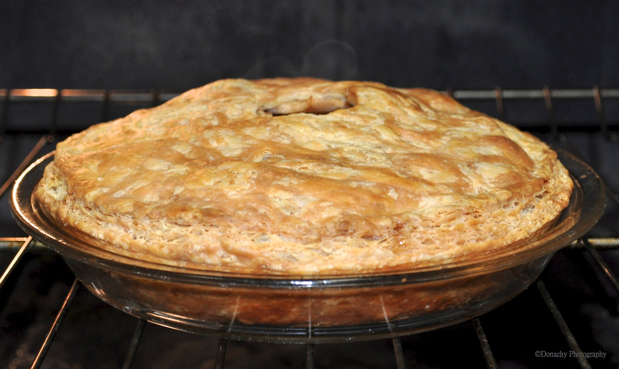 ... Perfectly Flakey Crust: Double-Crust Apple Apricot Pie | CutterLight