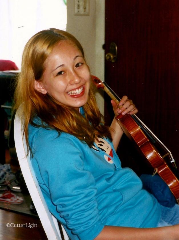 Blonde Violinist - _n