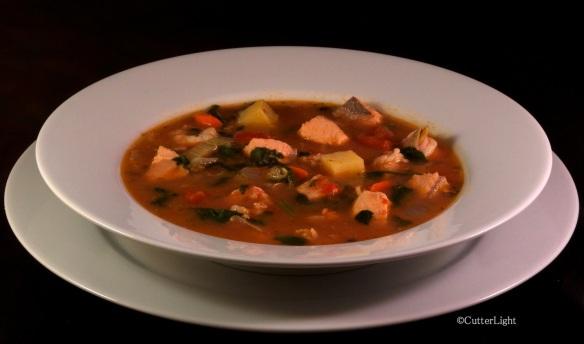 Salmon & seafood tomato chowder_n