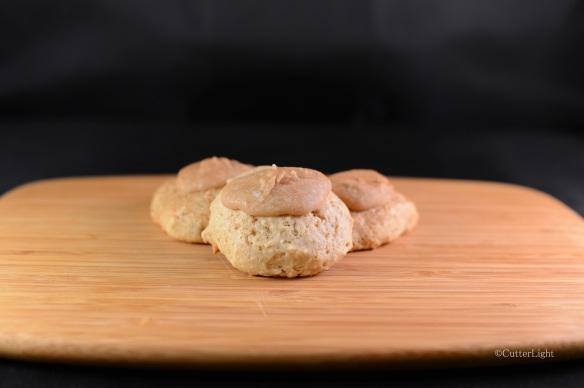 Applesauce carmel cookies_n