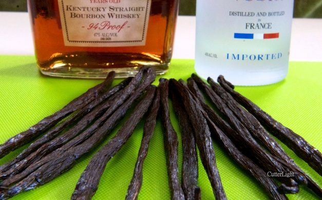 vanilla beans bourbon and vodka_n