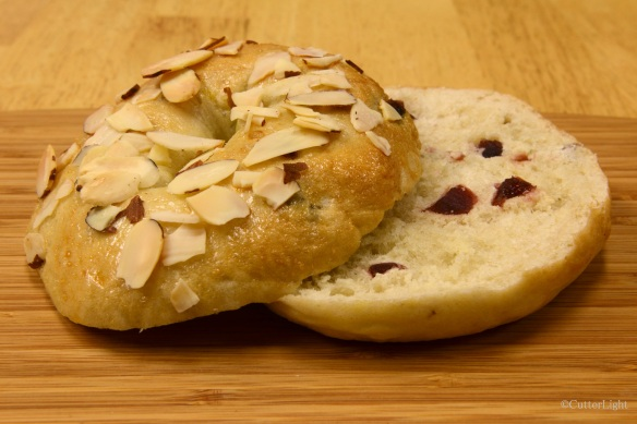 Cherry almond bagel_n