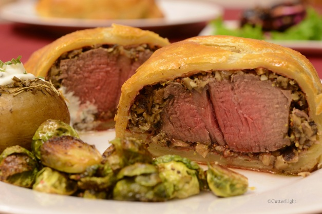 beef wellington sliced n