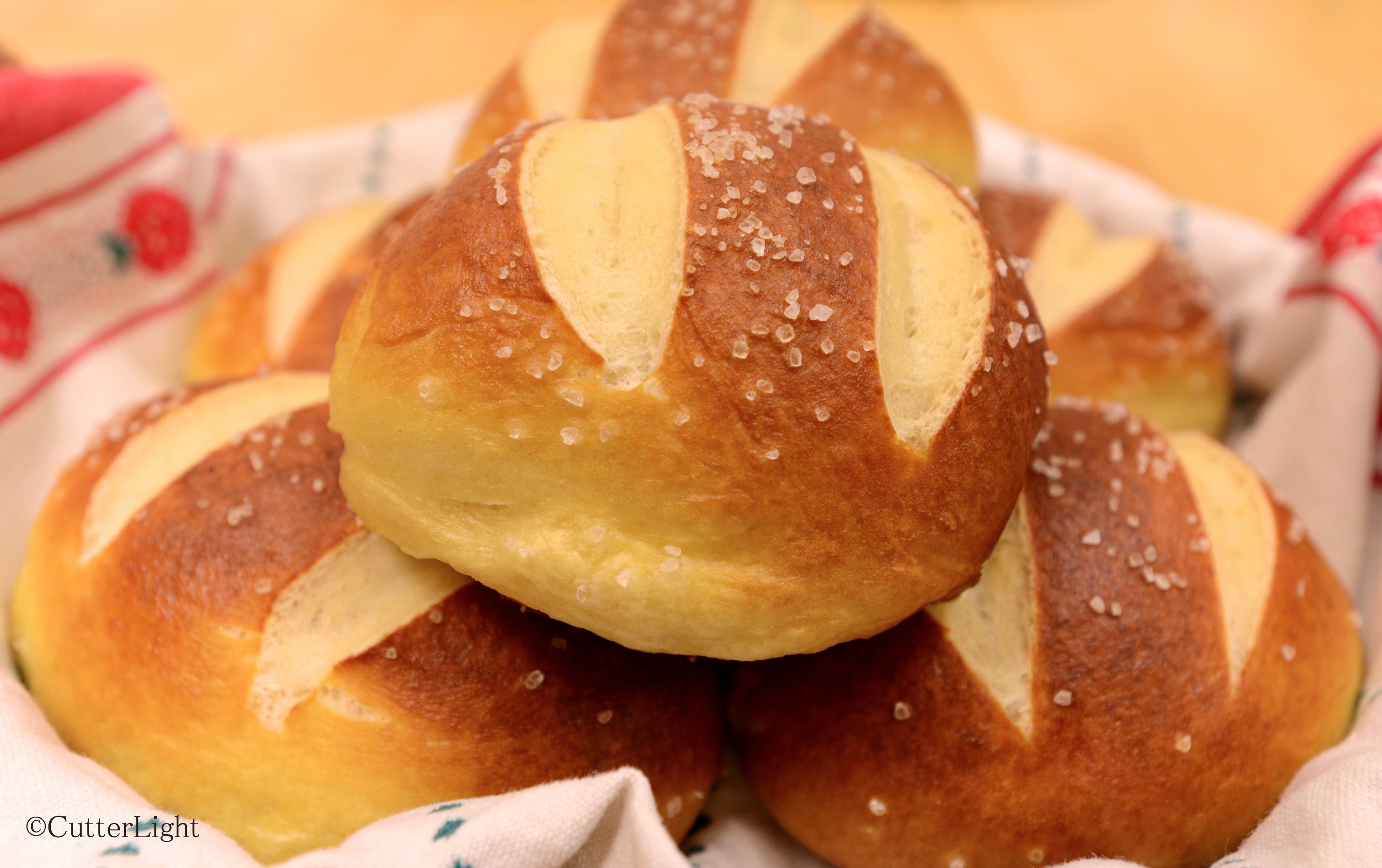 bread machine pretzel rolls
