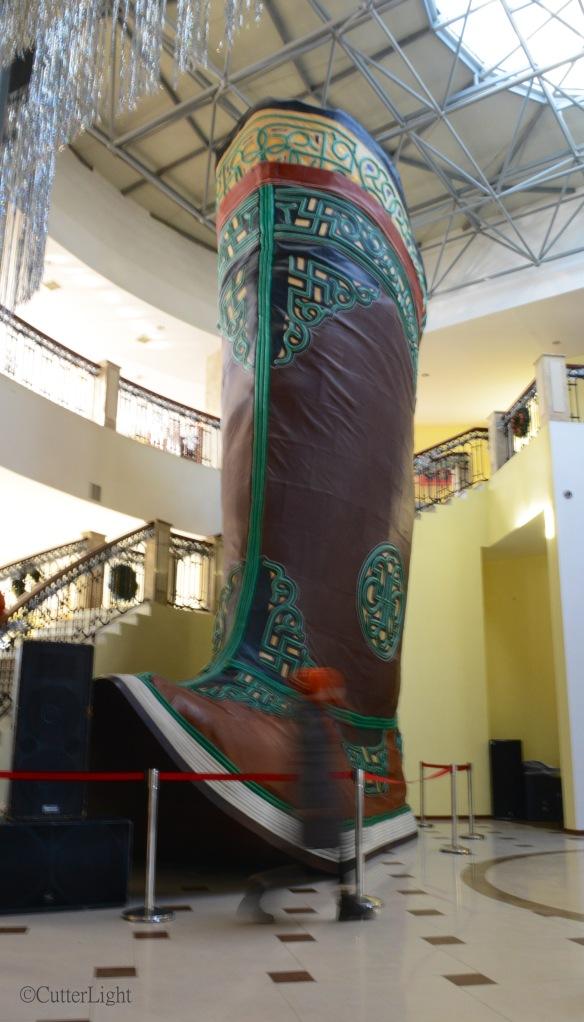Chinggis leather boot njpg