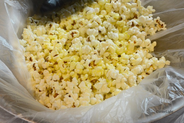 popcorn in bag w butter n