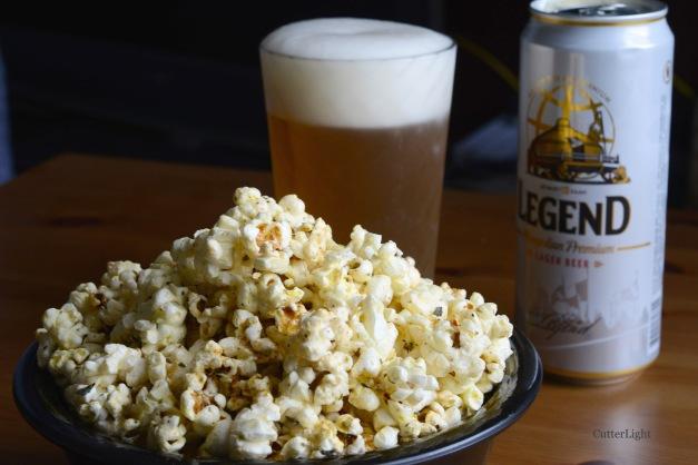 popcorn n admring beer n