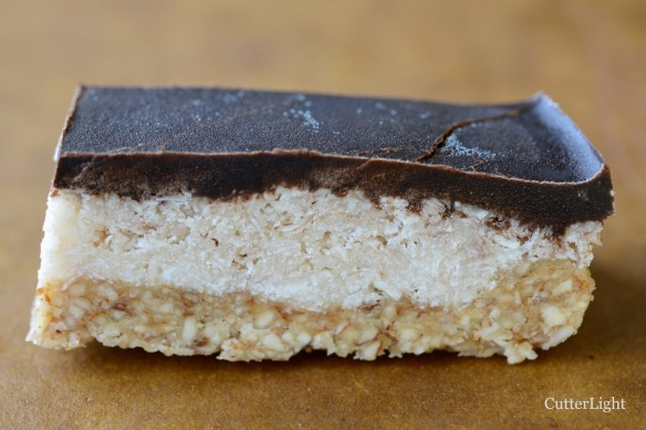Coconut almond chocolate bar n