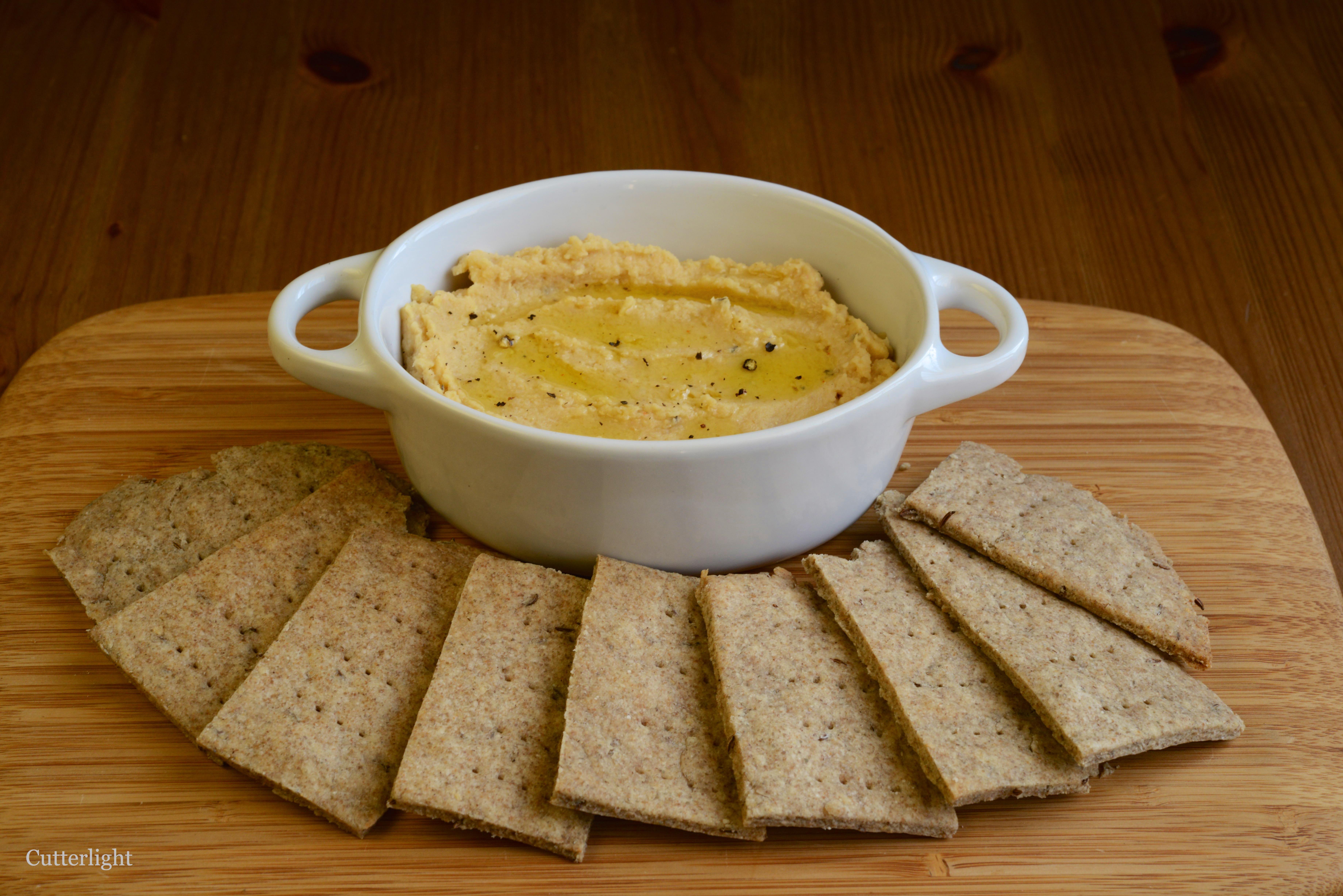 Hummus Crackers picture